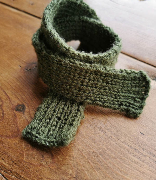 Toy scarf - hand knitted